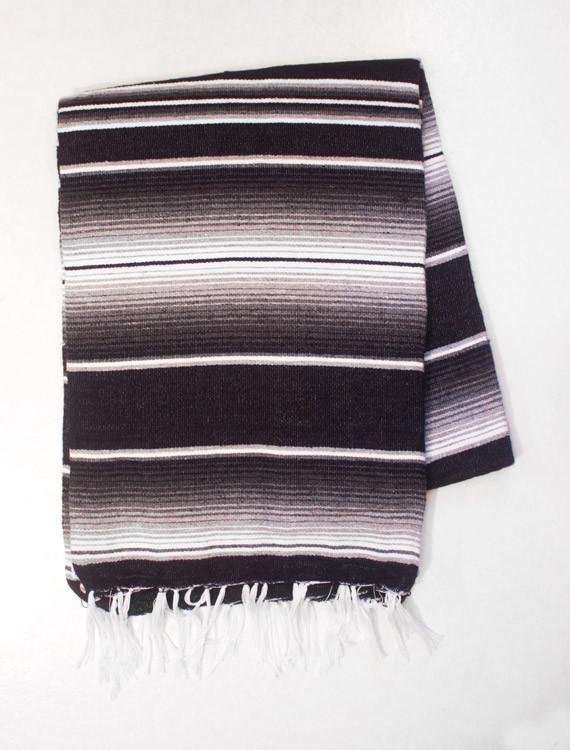 svartvit enfärgad mexfilt